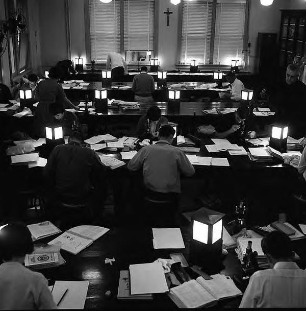 1950s study lab photo